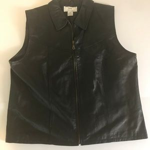 Lisa International black leather vest size XL